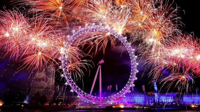 postadsuk-com-4-x-london-nye-eve-fireworks-2016-2017-tickets-blue-area-thames-riverside-in-front-of-london-eye-lon
